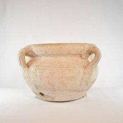 Donica ceramiczna o subtelnym wzorze